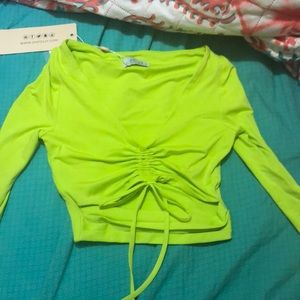 Long Sleeve Runched Crop Top - Like Green